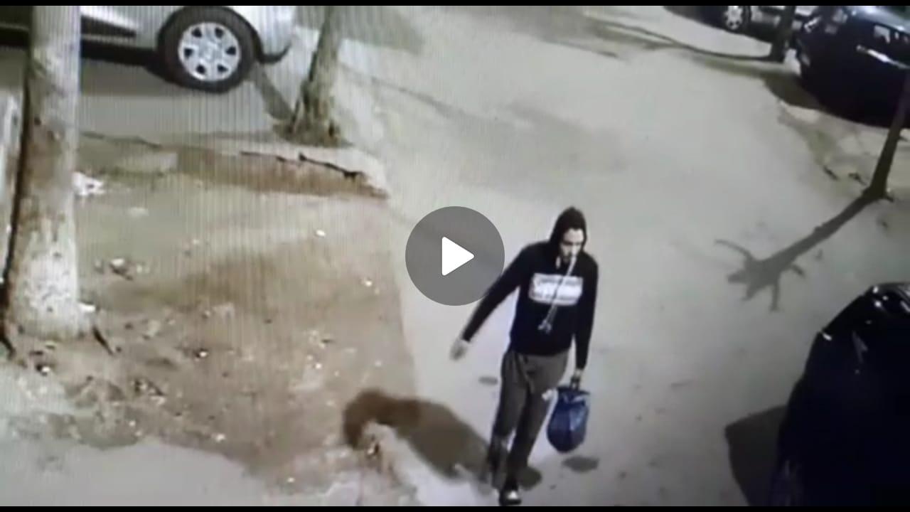 لص بدرب خالد بسباتة الدارالبيضاء يسرق كل ما يجد في طريقه