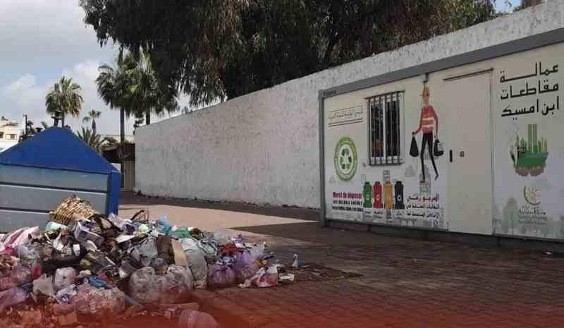 أحياء مقاطعة سباتة تغرق في النفايات