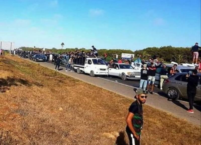 خطير: مقتل مشجع و إصابة آخرين في مواجهات عنيفة بين أنصار الجيش و الوداد في الطريق السيار