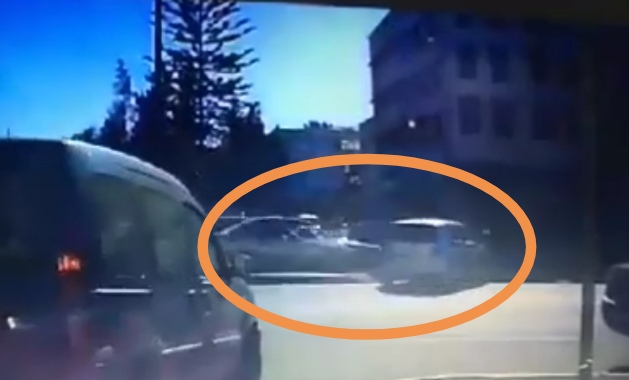 فيديو للحظة حادثة سير شارع مقداد الحريزي بسباتة